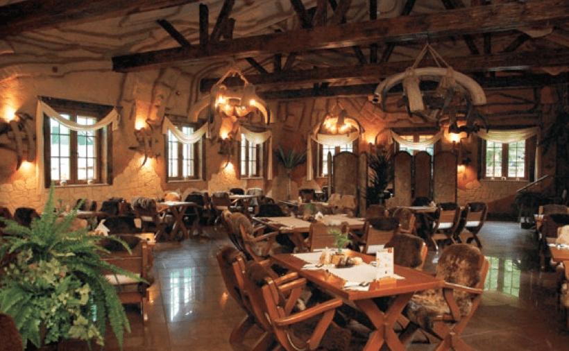 Restauracja Jaskiniowa w oryginalnym wystroju