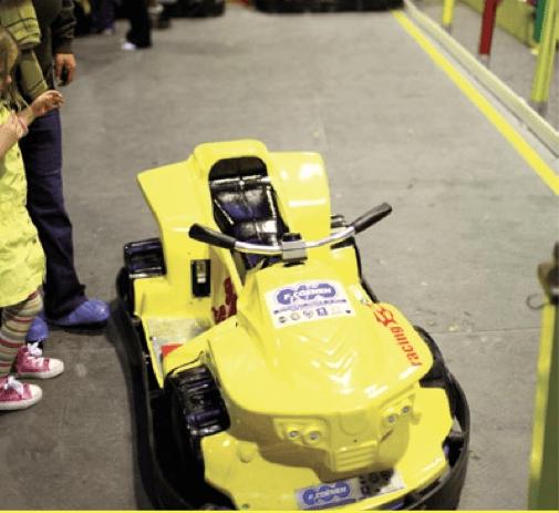 Samochodzik elektryczny gotowy do akcji