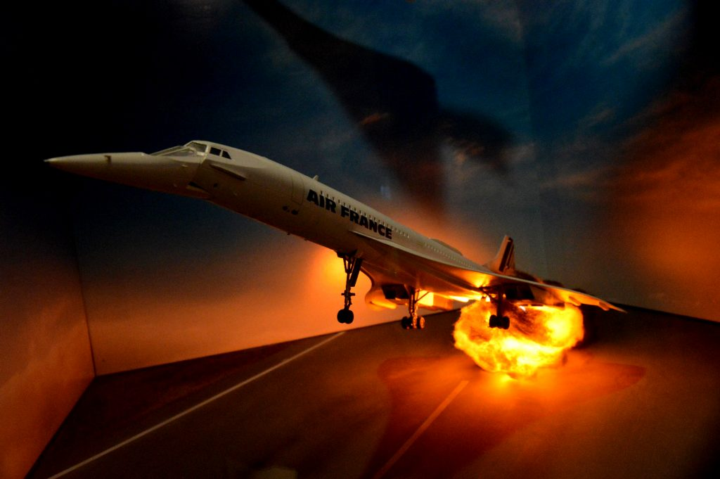 Moment katastrofy samolotu Concorde linii Air France (fot. Krystian Borkowski)