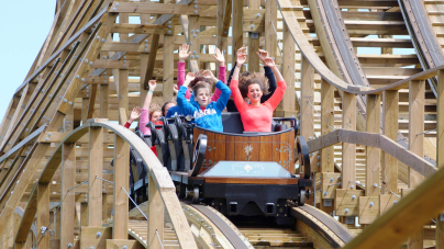 Budują drewniany rollercoaster w Majaland Kownaty!