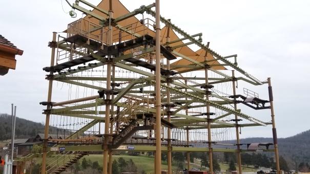 W amerykańskim Big Cedar Lodge Debiutuje park linowy Sky Trail