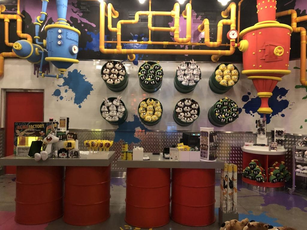 Sklep tematyczny w Warner Bros Abu Dhabi