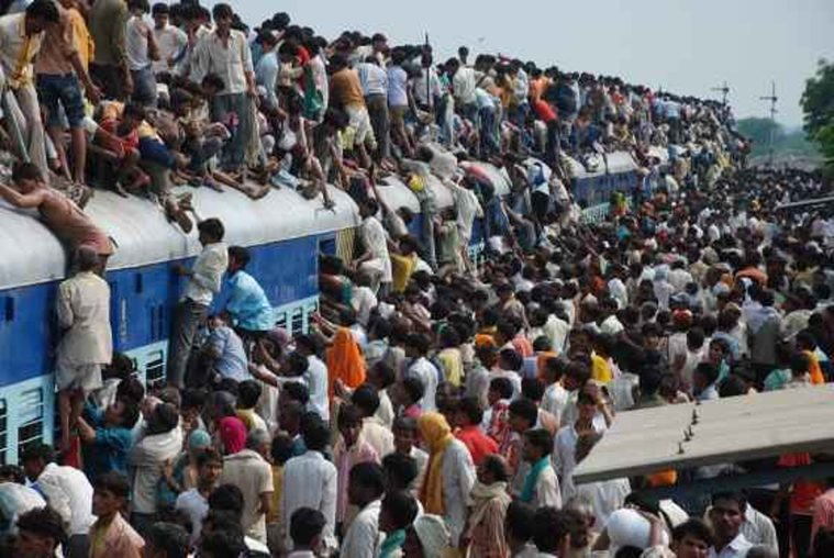 przepełnienie - hinduski pociąg zdj. FORUM
