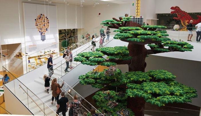 Lego-House-tree-of-creativity