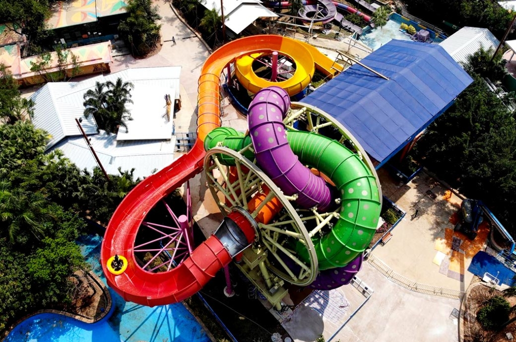 slidewheel-water-slide-arial-view